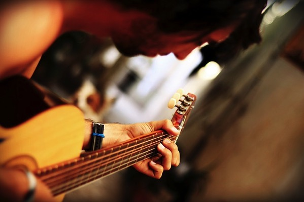 Guitar 68967 640